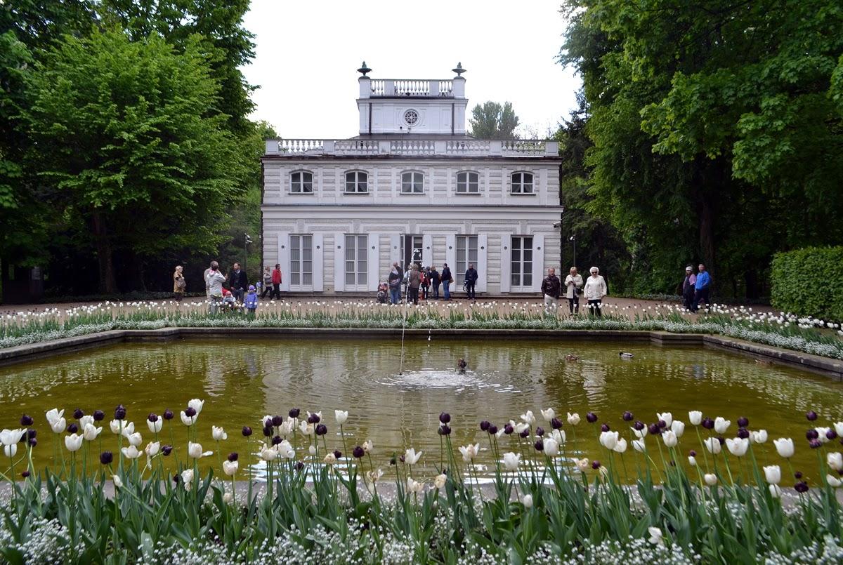 Cudowny świat Biały Domek W Warszawie