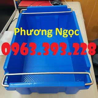 Sóng nhựa bít A2 có quai xách, thùng nhựa đựng đồ cơ khí 20180407_125703