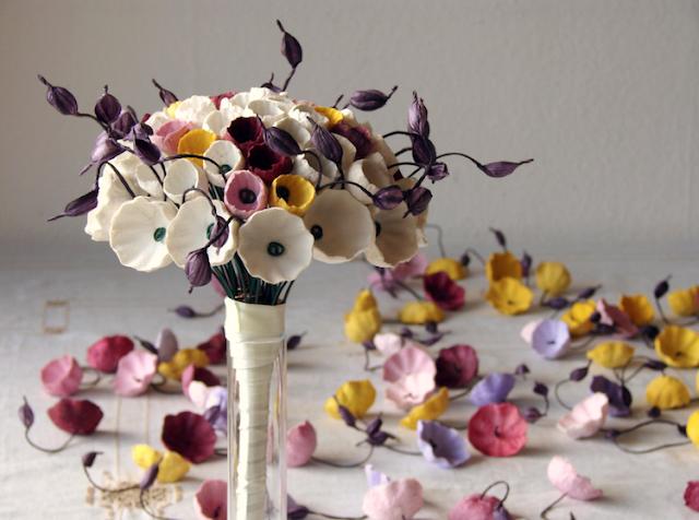 bouquet e fiori di carta color  per matrimonio ecologico nelle Langhe