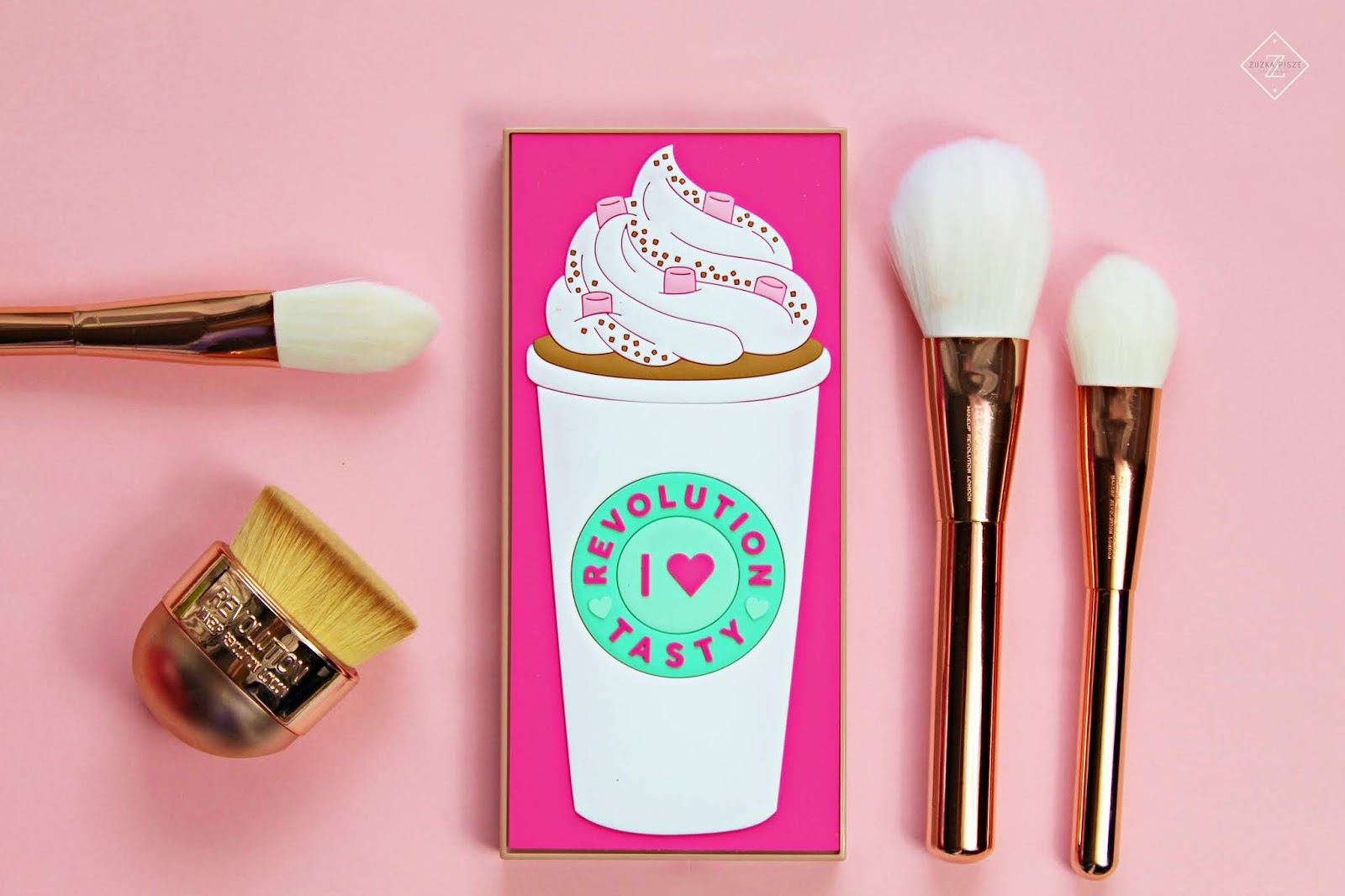 I HEART REVOLUTION - TASTY COFFEE PALETTE - Makeup Revolution