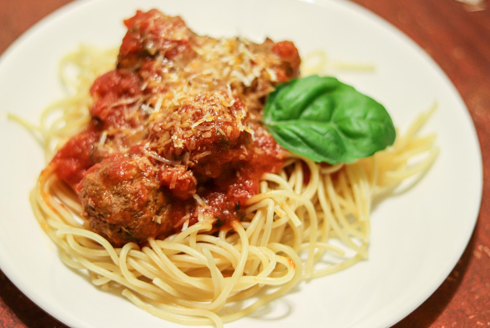 A delicious plate of spaghetti and meatballs