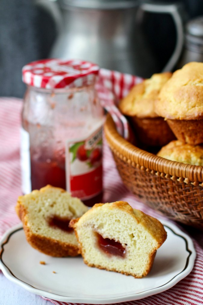 jam-filled muffins