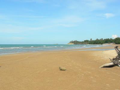 Permalink ke Keindahan Wisata Pantai Badur Sumenep, Suasana Alami dan Eksotis.