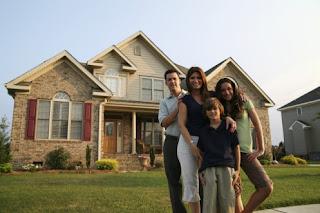 memilih rumah hunian untuk keluarga.