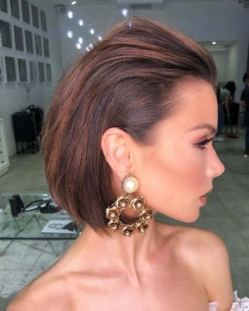 many women go into selecting the right dress to wear 23+ Pretty Prom Hairstyles for medium and Short Hair To Copy In 2019