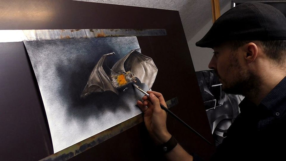 02-The-Bat-Stefan-Pabst-NO-Photoshop-3D-Anamorphic-Drawings-with-Video-www-designstack-co