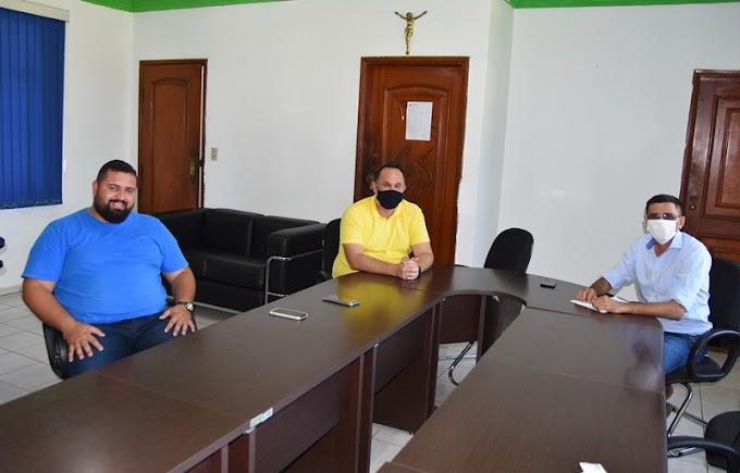 Prefeito de Rosário Oeste se reúne com representantes da prefeitura de Nobres
