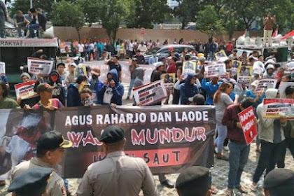 Tuntut Agus Cs Mundur, Massa Demo KPK Riuh Pas Duit Disebar dari Mobil Komando