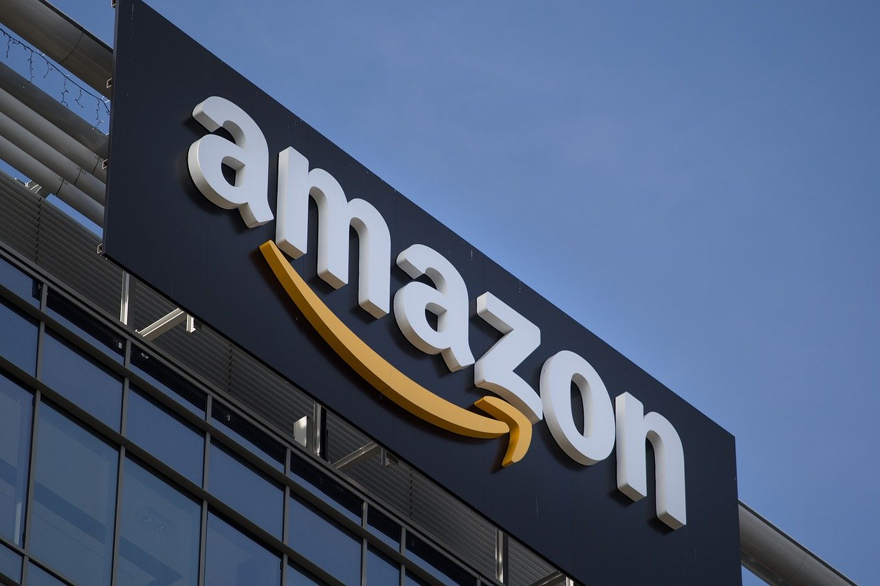 Credit Card For Amazon With Money To Buy Goods