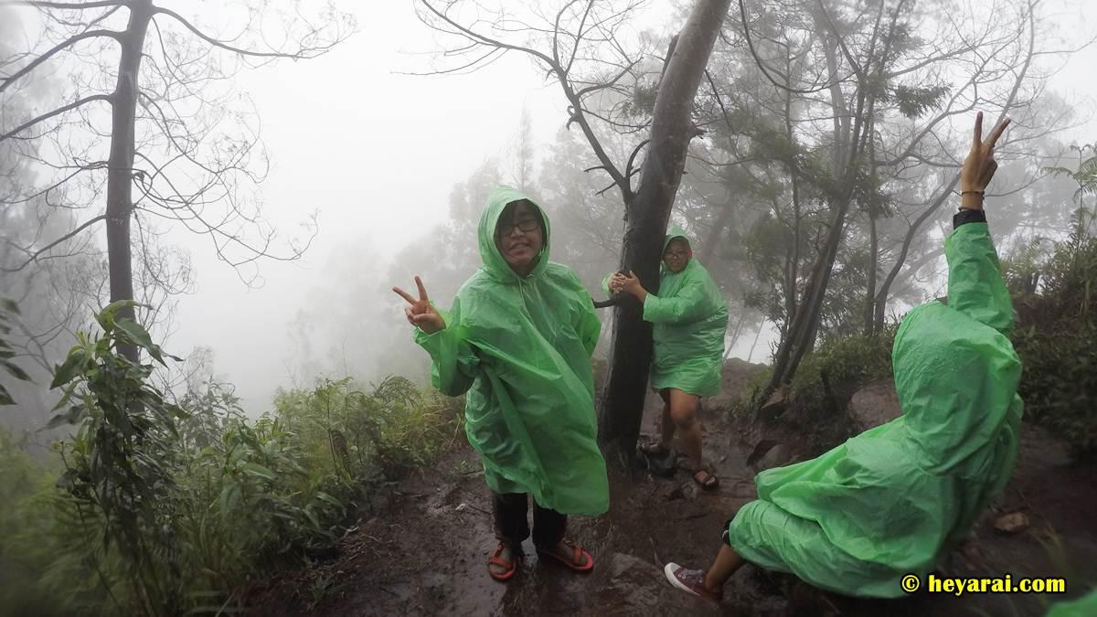 Menuju Basundara saat hujan badai mulai usai
