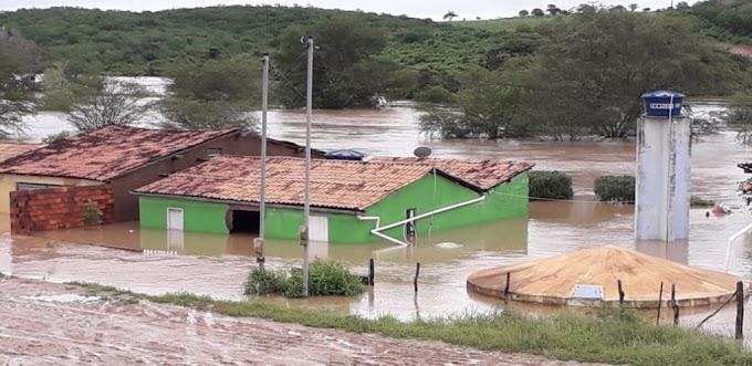 Cerca de 500 pessoas estão desabrigadas após inundação em Coronel João Sá