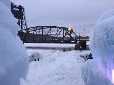 Graham Sedam, blog, thoughts, life, interests, ice castles, winter, Minnesota, Stillwater Lift Bridge, new year, resolutions, New Year's, goals, motivation, focus, driver, tracking, trackability, entertainment