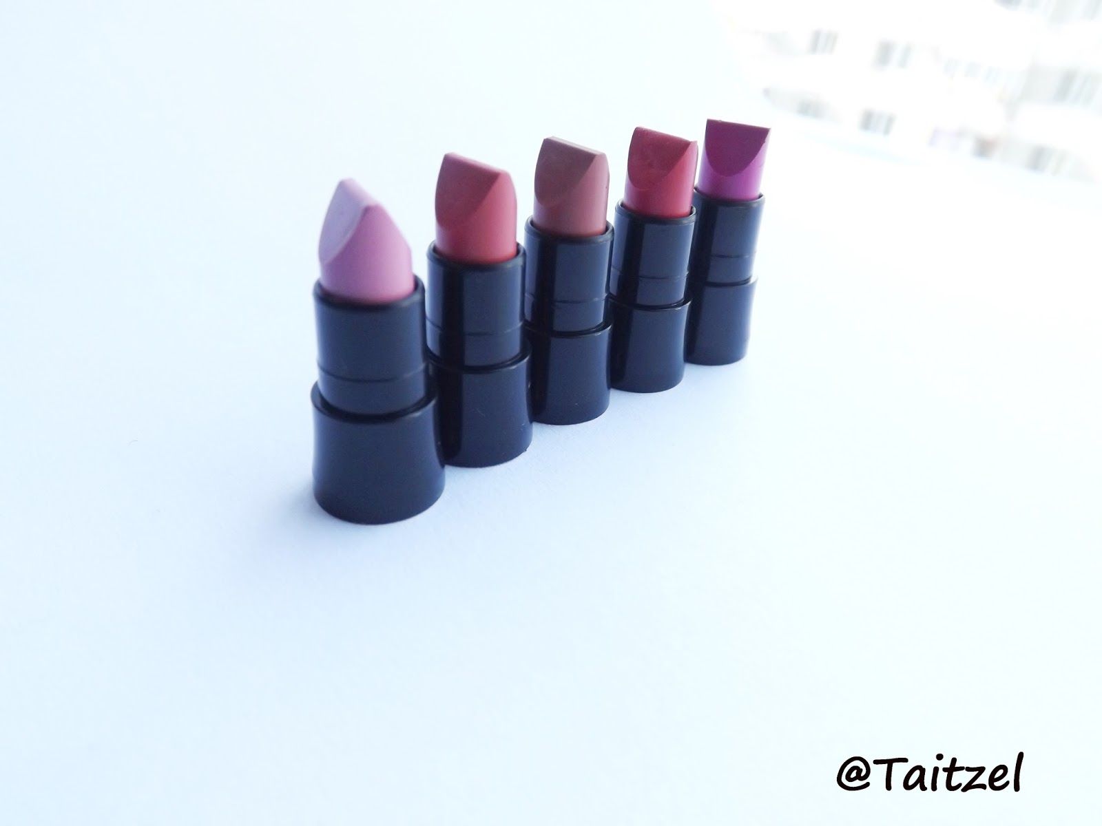 Avon Ultra Color Matte Ruj Review Swatch Taitzel Beauty