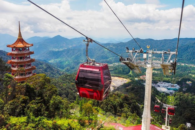 Genting Highlands and Batu Caves Day Tour