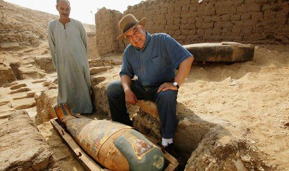 O Αιγύπτιος αρχαιολόγος που παραλίγο  να πέσει θύμα της κατάρας του Φαραώ  (pic)