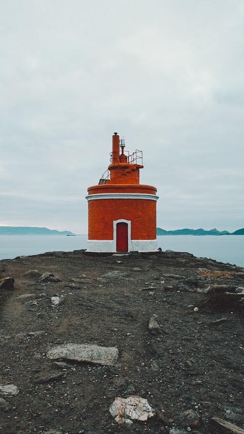 Ngọn Hải Đăng Màu Cam