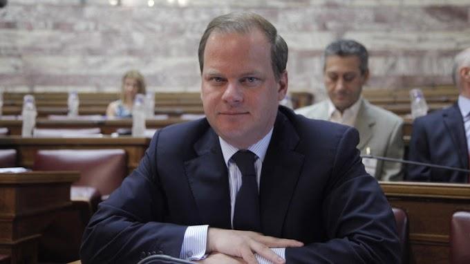 Ο Υπουργός Κώστας Καραμανλής δεν ήξερε πως γράφεται και πως τονίζεται ο Αχελώος - video
