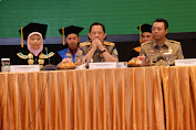 Wisuda Perdana UNU NTB Dihadiri Tito Karnavian