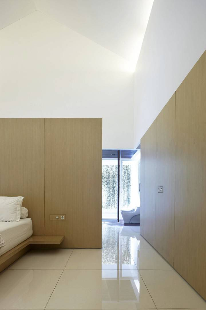 BEDROOM IDE USING PLYWOOD