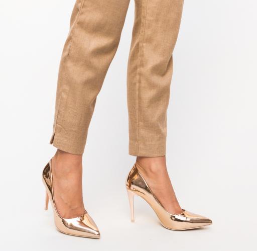 Pantofi aurii frumosi de zi eleganti si iefitini