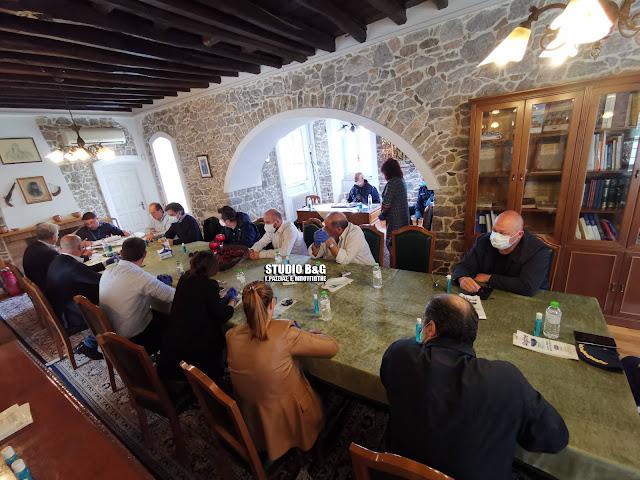 Κρίσιμη σύσκεψη στο Κρανίδι για την σοβαρή κατάσταση με τα κρούσματα των μεταναστών
