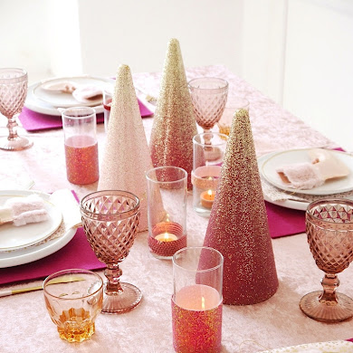 My Pink Sugar Plum Christmas Tablescape + FREE Printables