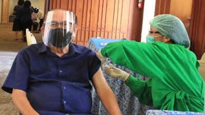Dua Lansia di Banyumas Meninggal Usai Divaksinasi, Kata Dokter Serangan Jantung