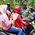 Antusiasnya Anak-anak Terima Masker dari Satgas TMMD 109