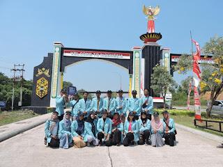 Tim KKN Lentera Borneo setelah Upacara Kemerdekaan