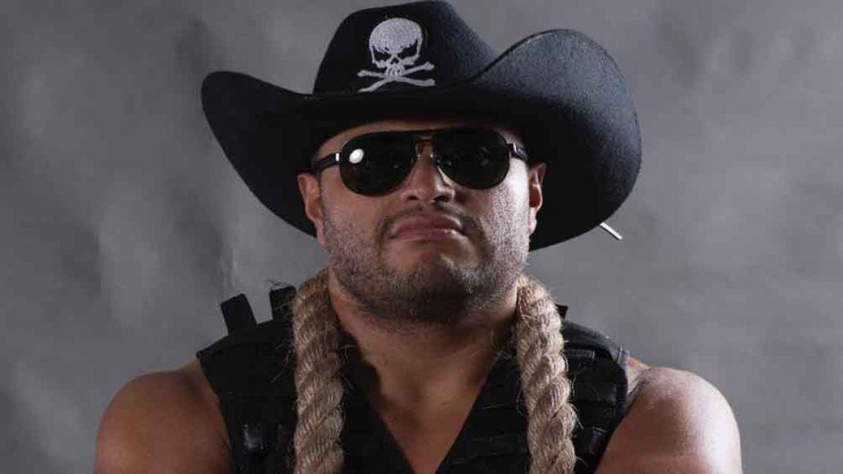 Texano e outros lutadores assinam com a empresa de Alberto El Patron