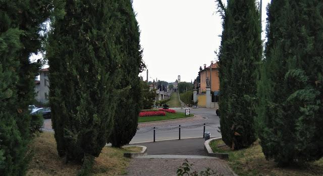 Guanzate-Santuario-Viale-Sacro