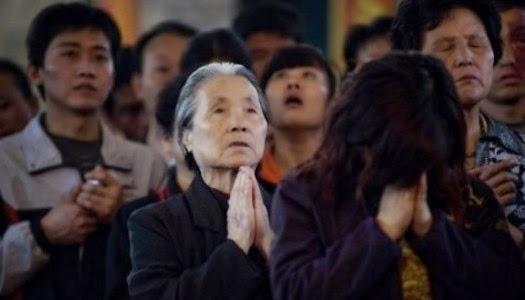 Aumentan cristianos en China
