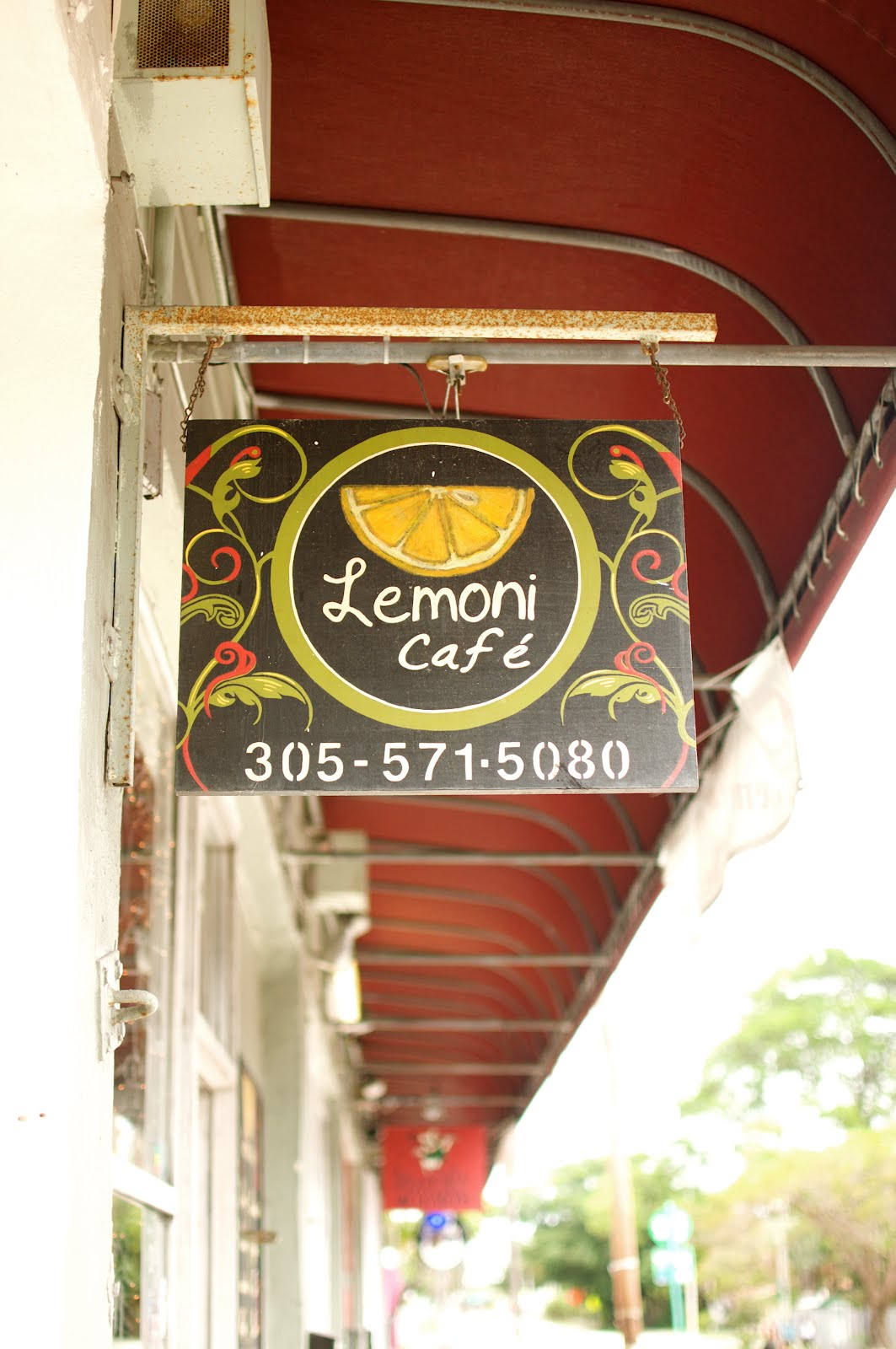 Where To Eat Vegan Lemoni Cafe Miami Florida This
