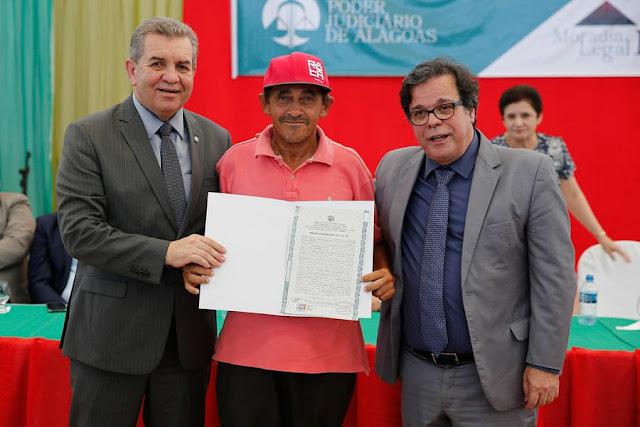 Em Piranhas, 300 títulos  são entregues pelo programa Moradia Legal
