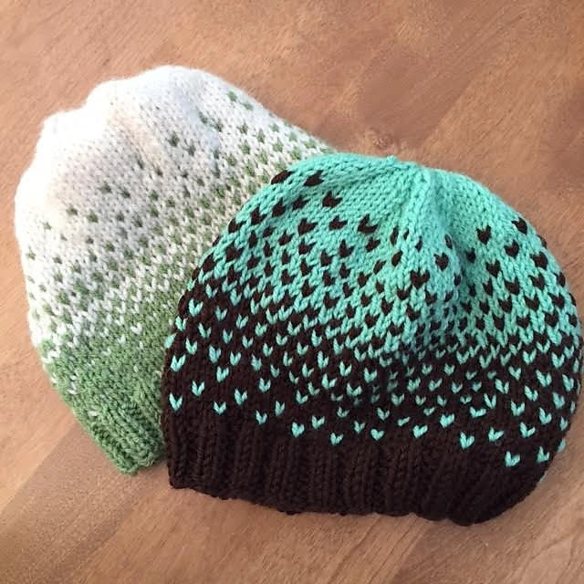 Free pattern for knitted hat; great stash buster project!