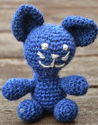 http://www.ravelry.com/patterns/library/a-little-blue-cat-en-liten-bla-katt