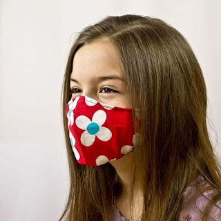 Esta máscara facial pode ser feita para crianças e adultos, basta diminuir ou aumentar o molde conforme  as medidas de quem vai usar.