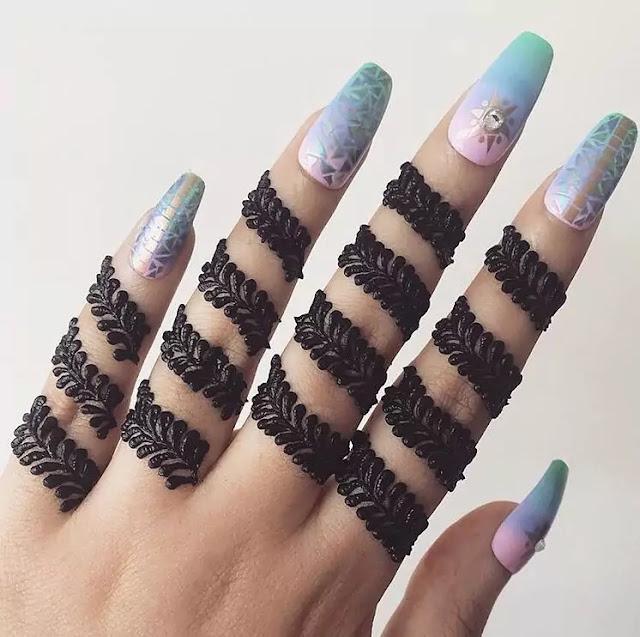 Mehndi or Henna for Fingers Designs
