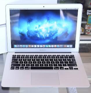 Macbook Air 2017 Core i5 QD32LL/A di Malang