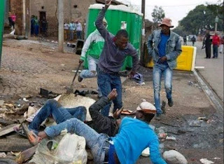 NIGERIAN STUDENTS GIVES SOUTH AFRICAN COMPANIES SEVEN DAYS ULTIMATUM TO LEAVE NIGERIA ELSE