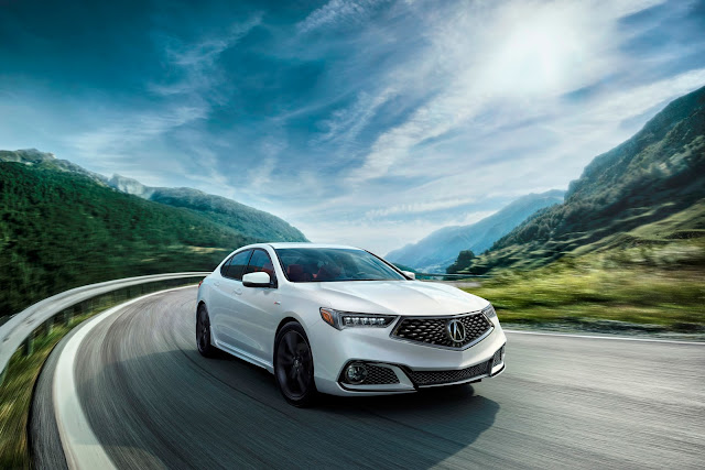 Front 3/4 view of 2018 Acura TLX 3.5L AWD A-Spec