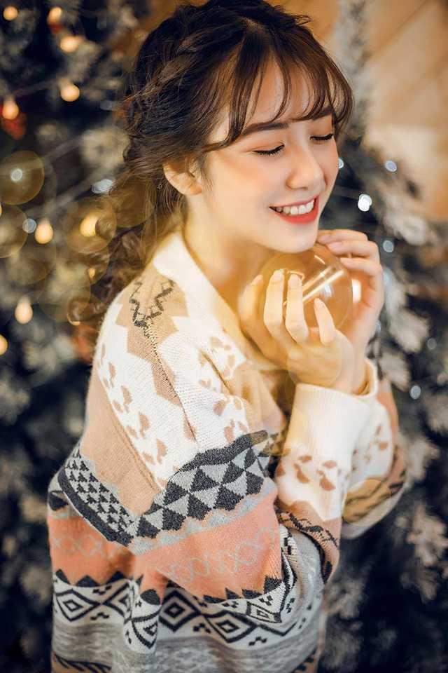 """Cô gái Nam Định """"gieo thương nhớ"""" với đôi mắt to tròn"""