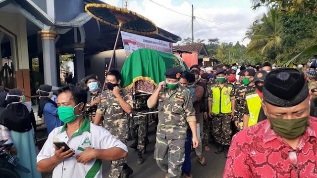 Relawan Corona Meninggal Dunia Usai Shalat dan Bagikan Masker