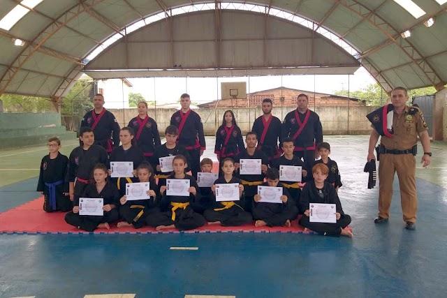 Policial do Escola Segura leva arte marcial milenar aos estudantes em Foz