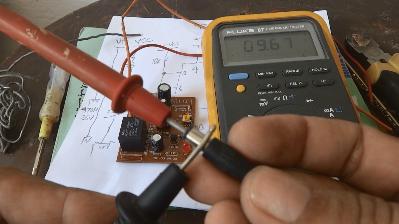 Delay Automatic On Timer Circuit Testing And Power Up Technology Check Tester For 3 Wire 125v Ac Circuits Measure The Dc Output Voltage Of Supply Or Adapter To Ensure Right Which Is 967v In Our Case