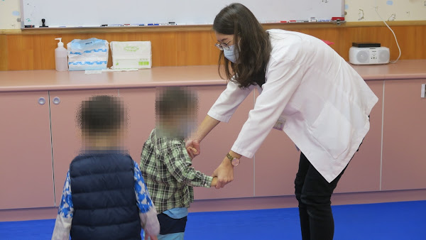 孩子發展遲緩非父母之過 彰化醫院籲把握早期療育