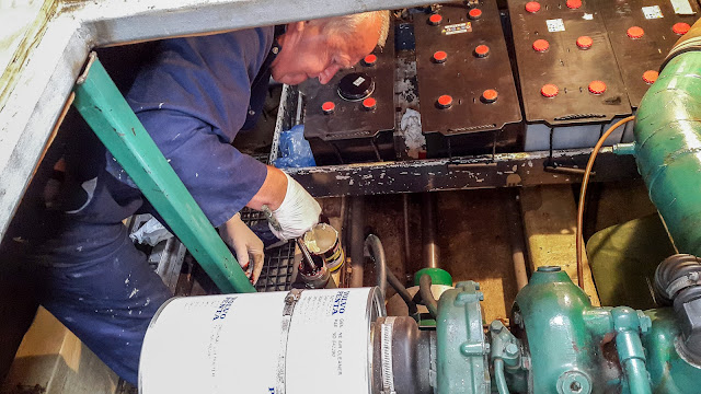 Photo of refilling the stern gland greaser