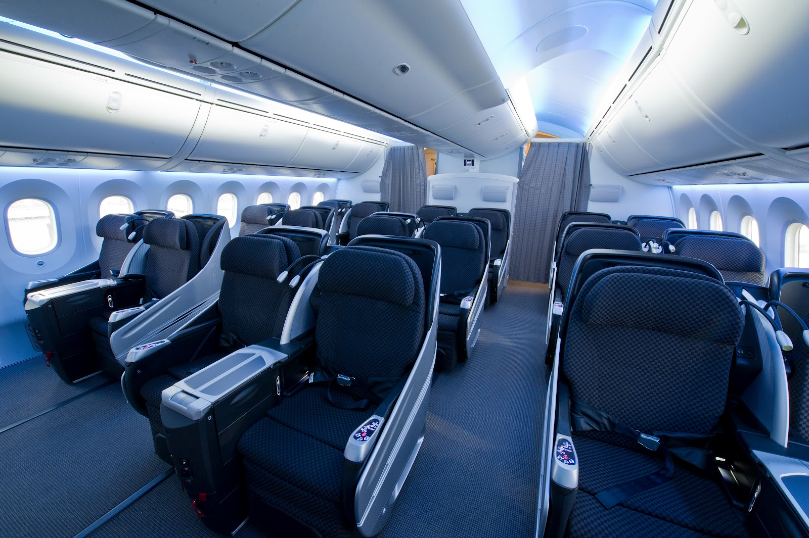 Business Class Interior of Boeing 787 Dreamliner of JAL Japan ...