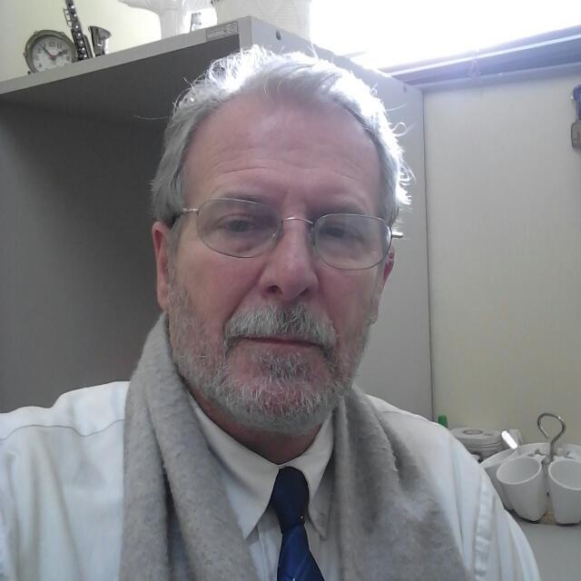Dr. Ricardo R. Vega Bois