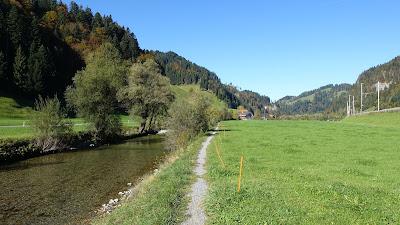 Weg an der Ilfis bei Kröschenbrunnen